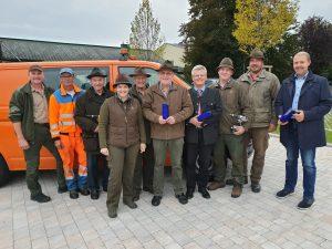 Die Jagdgesellschaft Hafnerbach macht unsere Verkehrswege sicherer…